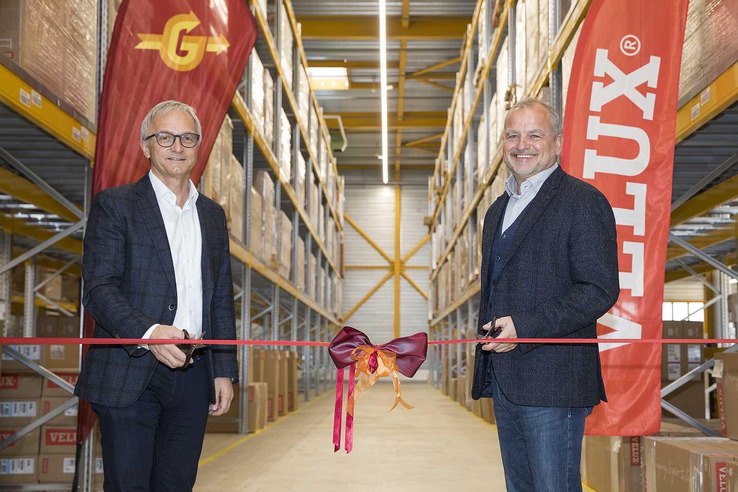 Peter Galliker, PDG de Galliker Transport AG et Rolf Biesser, directeur général de Velux Schweiz AG